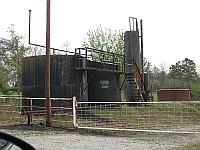 USA - Bellvue OK - Old Oil Installation (17 Apr 2009)
